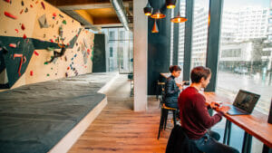 Espaces de Coworking - Climbing District 69, rue Rostropovitch, 75017 Paris - Batignolles