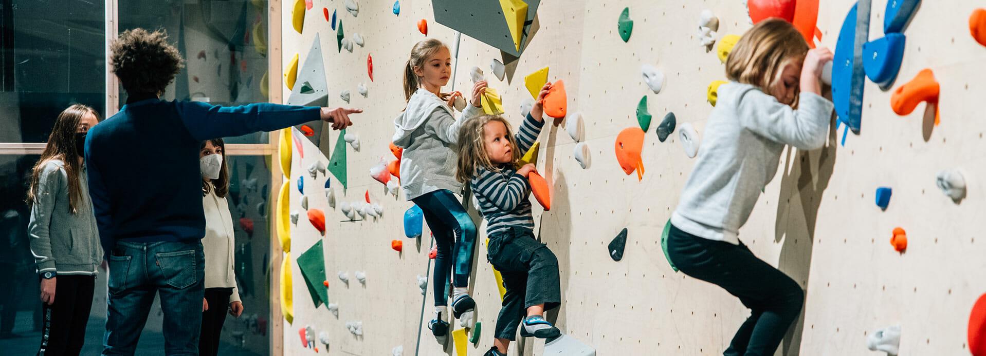 Nos formules de cours d'escalade pour enfants - Climbing District